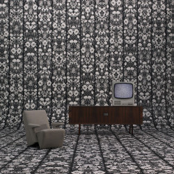Papier peint - NLXL by ARTE - Withered Flowers - Black